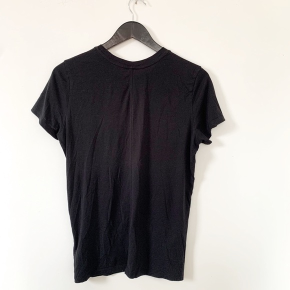 Aritzia The Group by Babaton Sumo  Black T-Shirt S